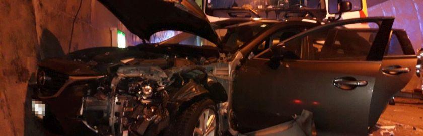 Schwerer Verkehrsunfall mit sechs beteiligten Fahrzeugen