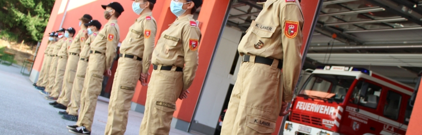 Weiße Fahne bei COVID-gerechtem Wissenstest der Feuerwehrjugend